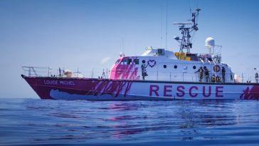 banksy funds refugee boat